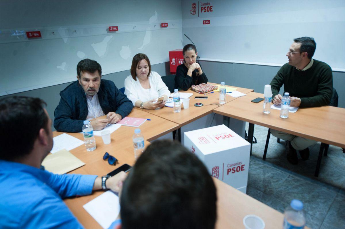 Gestora del PSOE de Canarias. / FRAN PALLERO