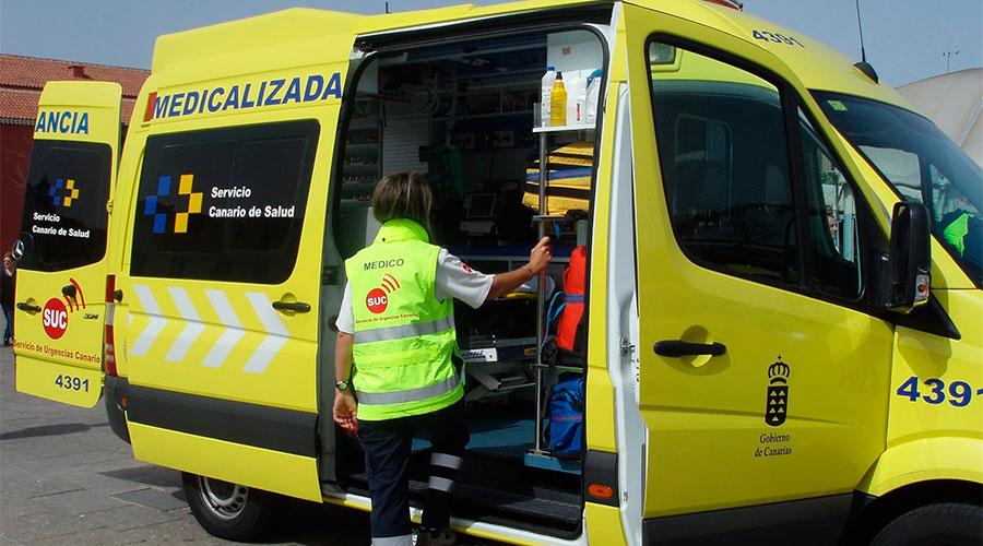 Ambulancia del Servicio de Urgencias Canario. / CEDIDA