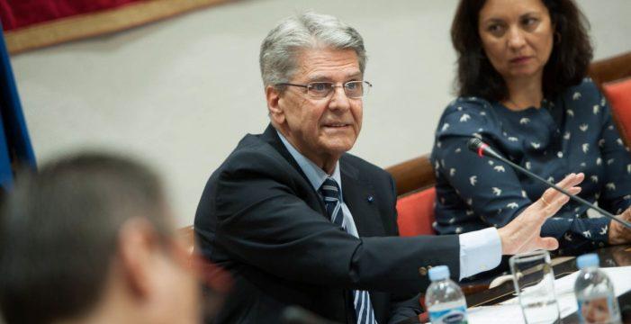 El Gobierno canario levanta la suspensión de todos los procesos selectivos de la Administración autonómica excepto uno