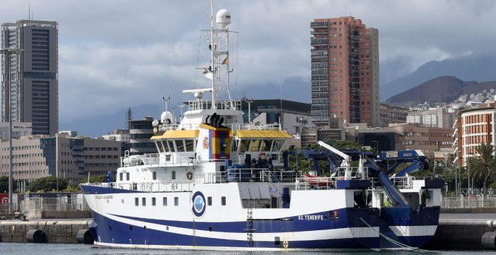 El Ángeles Alvariño cambia de rumbo y rastrea la costa de Radazul