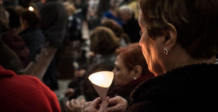 Las candelas alumbran hoy la fe en la Virgen de Candelaria