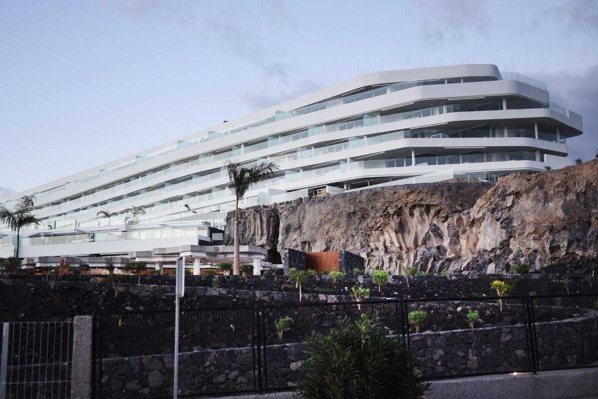 El Royal Hideaway Corales Resort, en La Caleta, abrió sus puertas a principios de año y está dirigido a una clientela de alto poder adquisitivo. Sergio Méndez