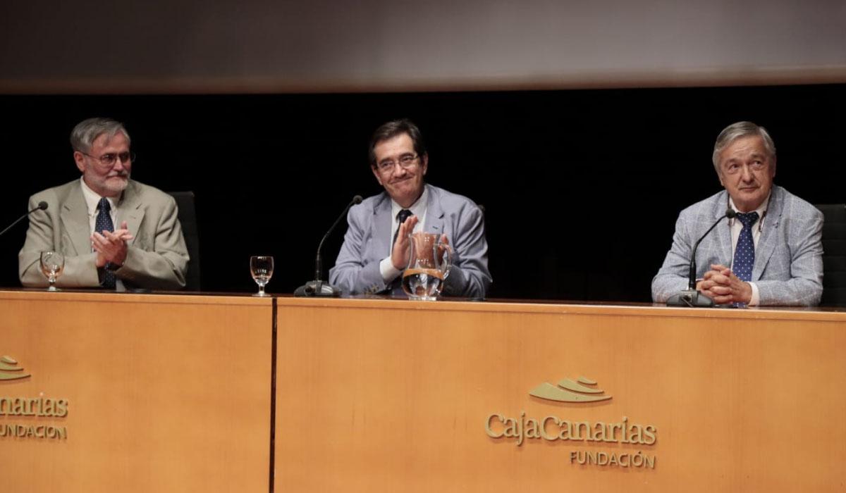 Gómez-Soliño, Martinón y Valladares, en el acto de clausura. Fran Pallero