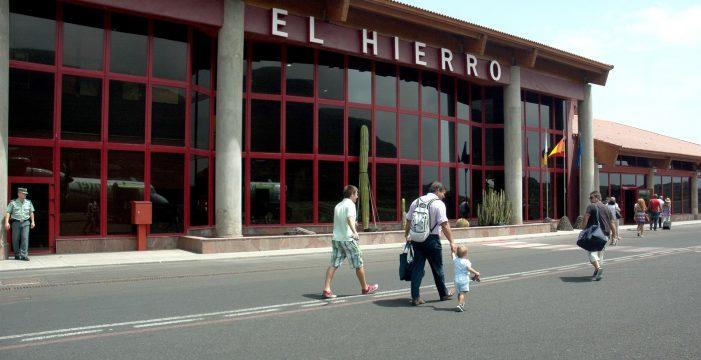 El cribado voluntario a la llegada a El Hierro detecta dos positivos