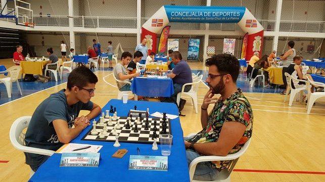 Marcos Adrián Pérez se adjudica el Open de Otoño CajaCanarias de Ajedrez 2018