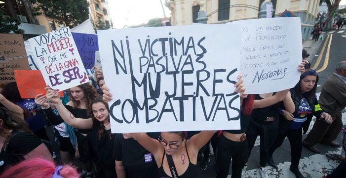 El feminismo tinerfeño vuelve a la calle contra el pacto andaluz con Vox
