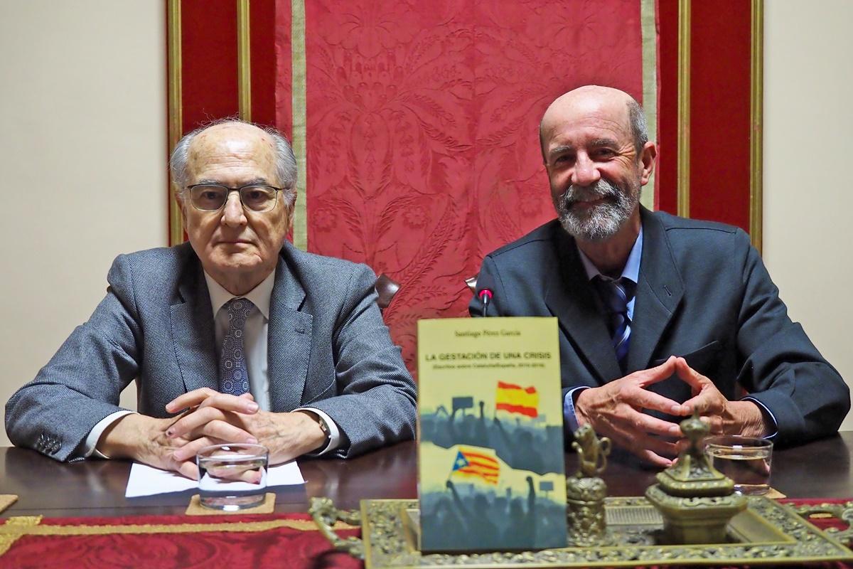 La presentación del libro tuvo lugar ayer en la Real Sociedad Económica de Amigos del País de Tenerife. DA