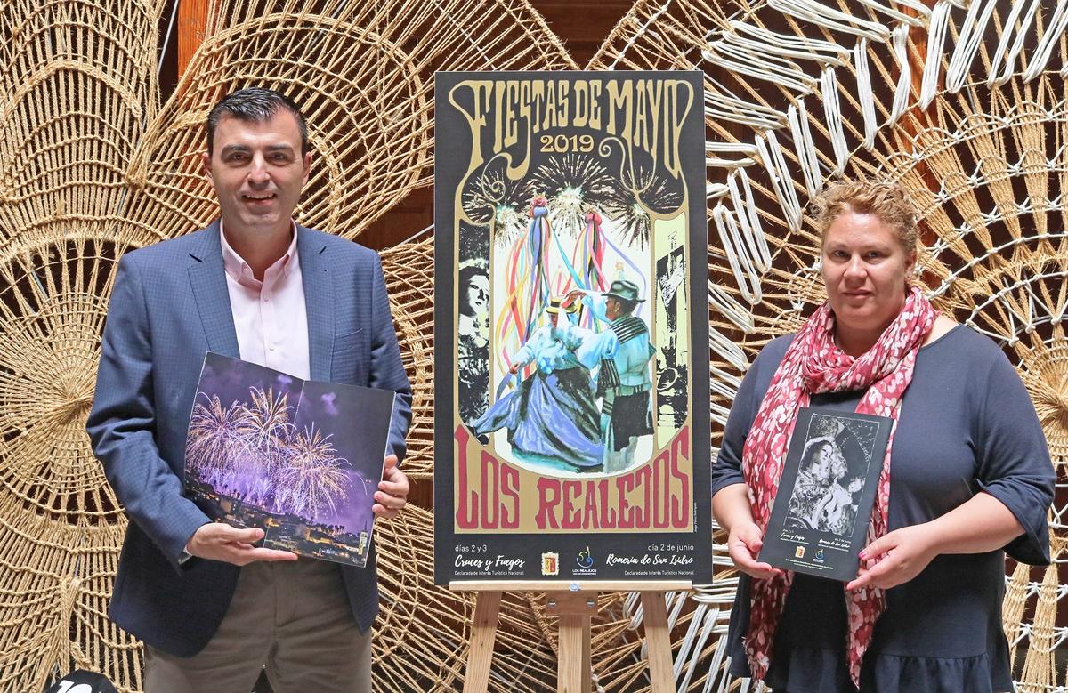 Manuel Domínguez e Isabel Socorro presentaron ayer el programa de las Fiestas de Mayo con más de 70 actos. DA