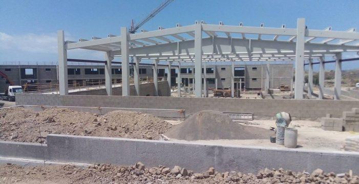La Consejería de Educación y la constructora del IES de Parque La Reina  acuerdan reanudar las obras