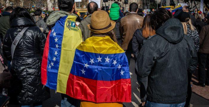 El Gobierno destina casi 2 millones para las ayudas a canarios en Venezuela