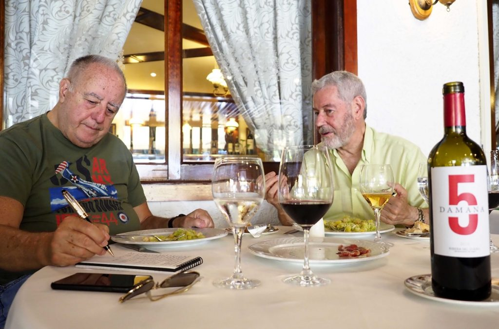 Andrés Chaves junto a García-Talavera  SERGIO MÉNDEZ