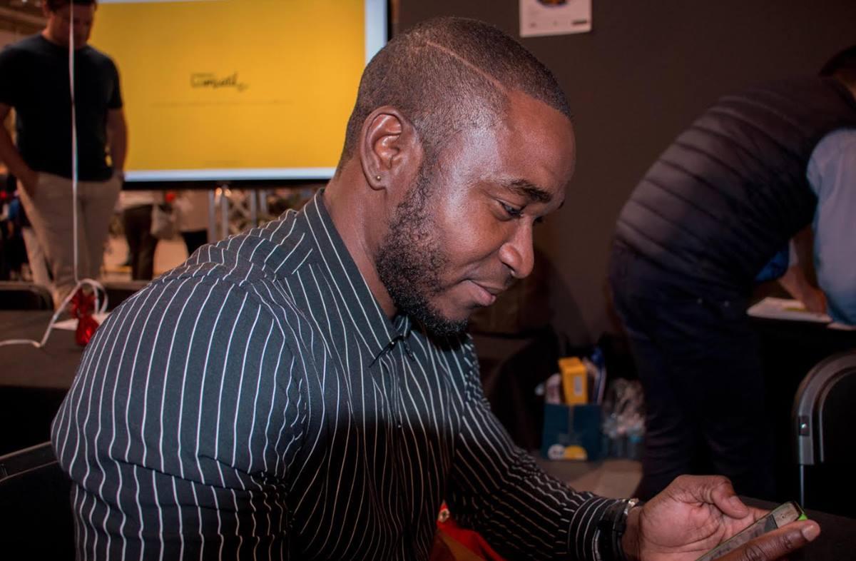 Wilfredo Asumu, creador de Akara. DA
