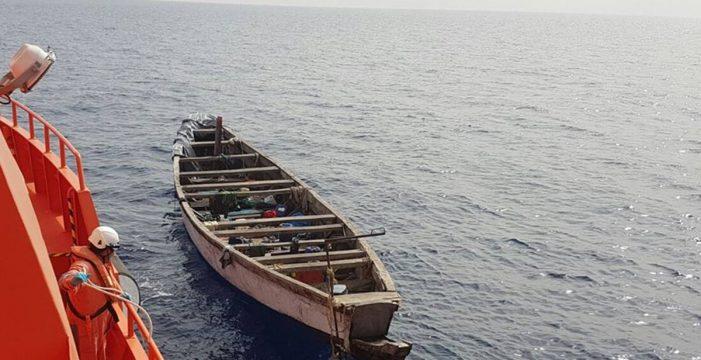 Rescatan una patera con 31 migrantes al norte de Lanzarote