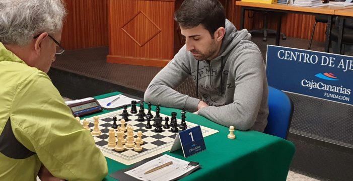 Fernández culmina la remontada y se lleva el XXX Torneo de Navidad CajaCanarias