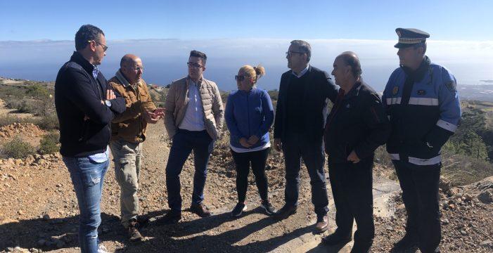 El alcalde de Arico empieza sus visitas a los barrios por Fuente Nueva