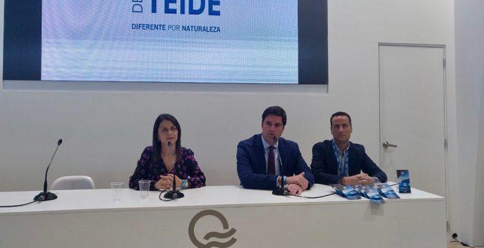 Santiago del Teide presenta en Fitur su nuevo material de promoción turística
