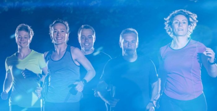 La Caleta convoca a 'runners' y familias a su V Carrera Nocturna