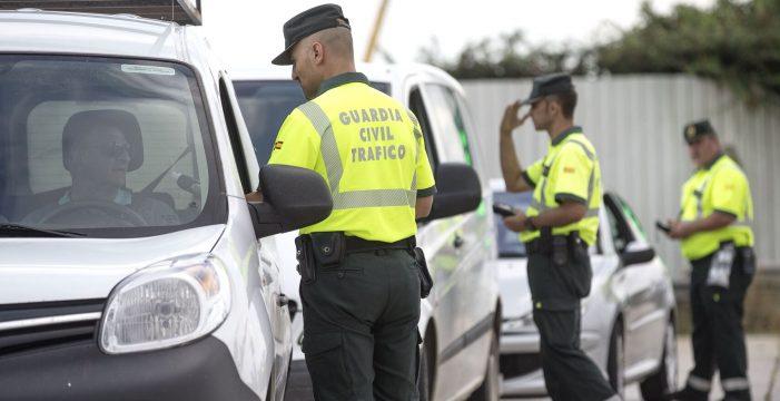 La multa menos esperada de la DGT: sanciones de 800 euros a coches parados