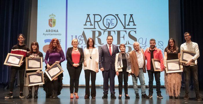 María Dueñas y Maribel Nazco coronan Arona de las Artes 2020