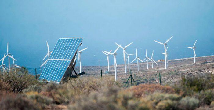 La luz de todos los centros públicos de Arona provendrá sólo de energías limpias