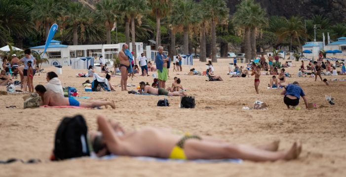 La Policía Local de Santa Cruz levantó diez actas en las playas del municipio este fin de semana