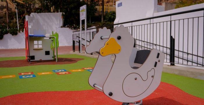 Santa Cruz cierra los parques infantiles y reduce el aforo del Rastro al 33%