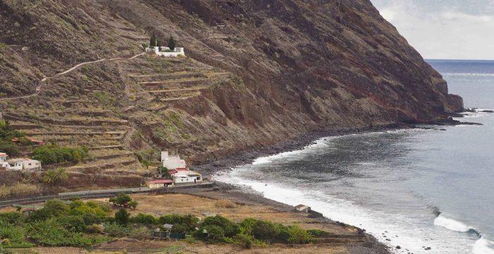 La regularización de los vertidos en la Hondura e Igueste, a la espera del Gobierno