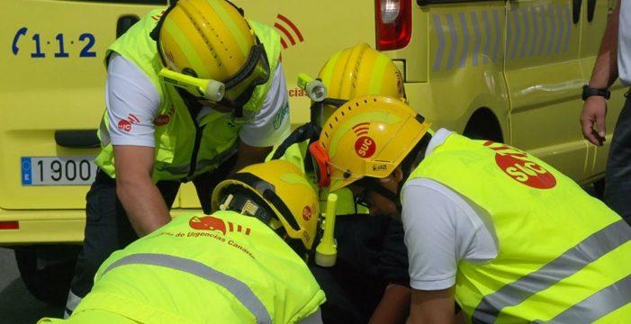 Un motorista en estado crítico tras una colisión con un coche en Arona
