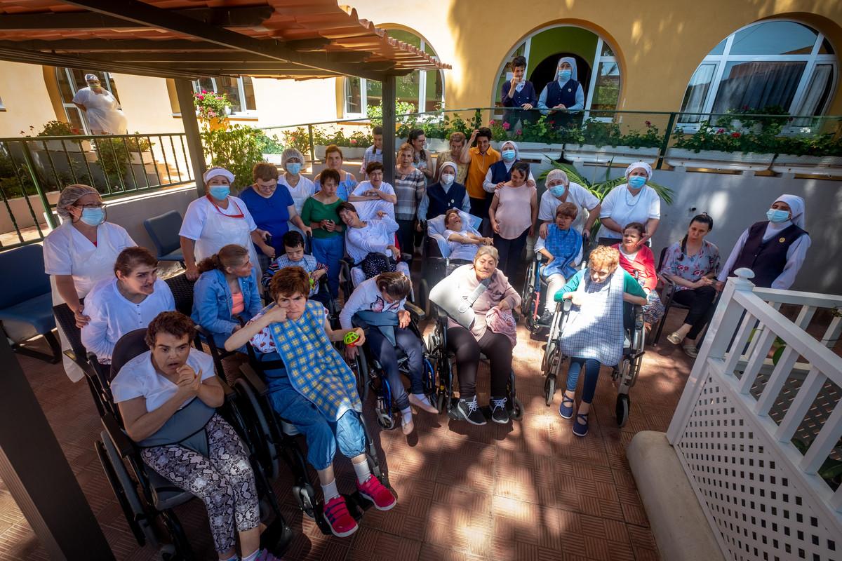 En este centro del Cabildo insular residen 26 mujeres con discapacidad intelectual que son cuidadas por religiosas de la congregación Marta y María. FOTO: Fran Pallero