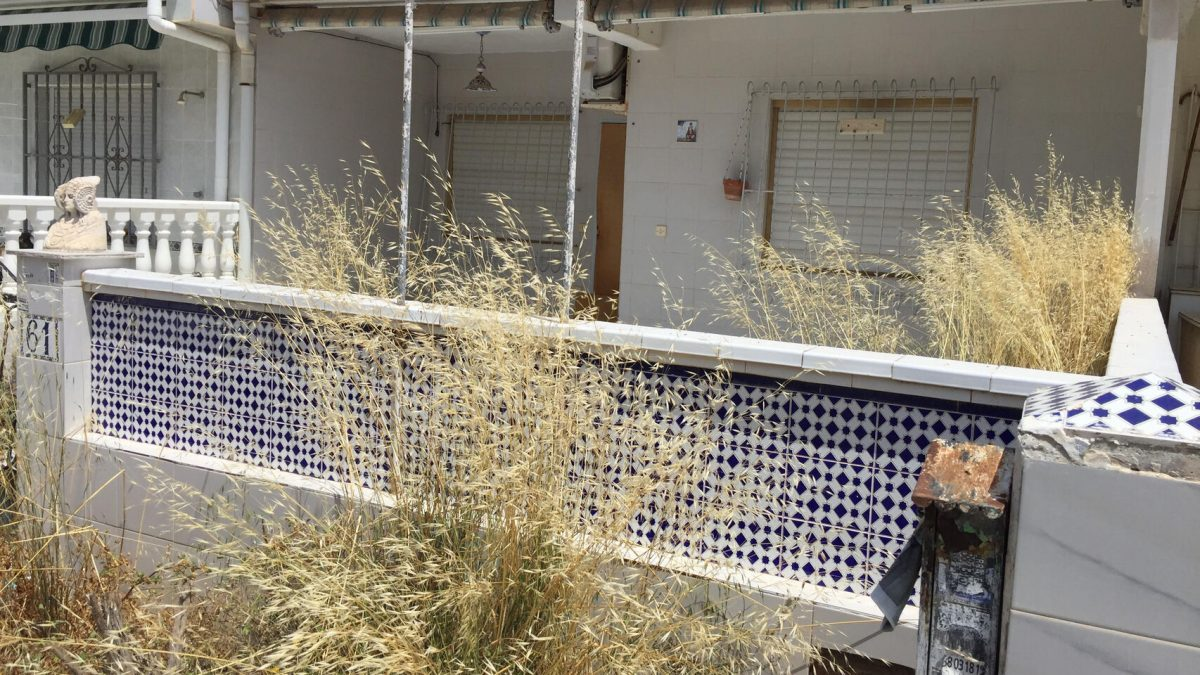Apartamentos abandonados u okupados en Torrevieja. DLF