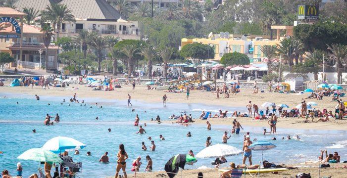 Canarias, entre las únicas cuatro comunidades donde baja el empleo turístico
