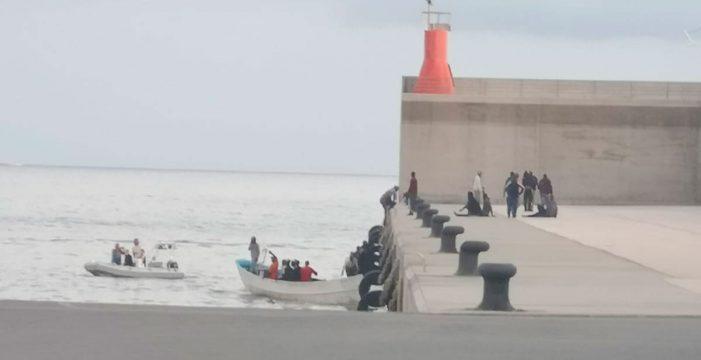 Llega una patera a Tazacorte con 24 migrantes a bordo
