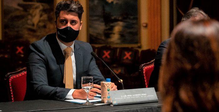 El alcalde convoca de urgencia a Gobierno y agentes sociales para estudiar cómo frenar los contagios