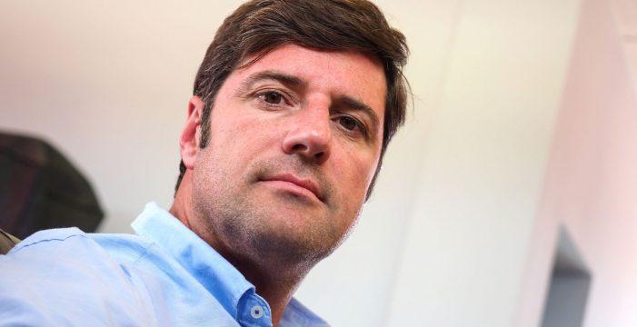 """Emilio Navarro, alcalde de Santiago del Teide: """"Alojar inmigrantes en los hoteles crea efecto llamada"""""""
