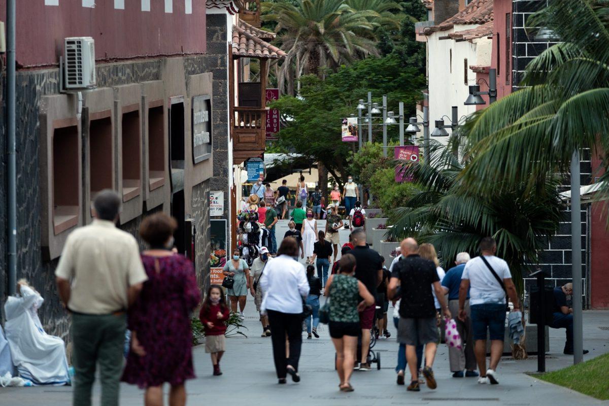 Tenerife continúa teniendo la mayor incidencia de contagios de coronavirus en las últimas semanas debido en gran medida a las reuniones familiares. F. P.