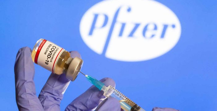 Pfizer y Moderna ingresarán más de 85.000 millones los próximos cinco años