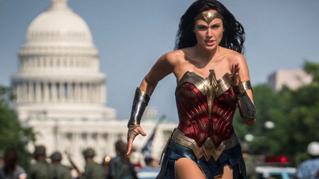 Tras numerosos aplazamientos por la pandemia, llega a los cines españoles 'Wonder Woman 1984'.