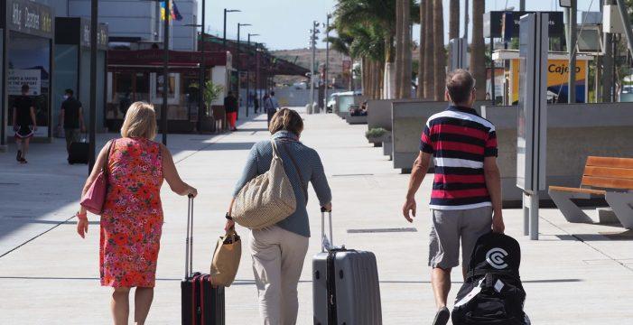 La reactivación turística da aire al sector del taxi en el Sur