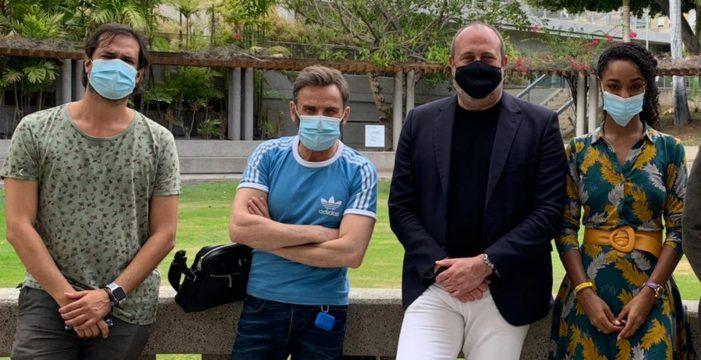 Fernando Tejero y la canaria Ella Kweku ruedan en Tenerife el film 'La piel en llamas'