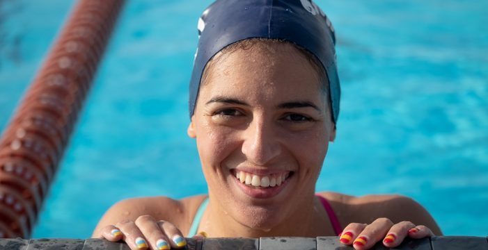 Una pantalla gigante para apoyar a la nadadora tinerfeña Michelle Alonso