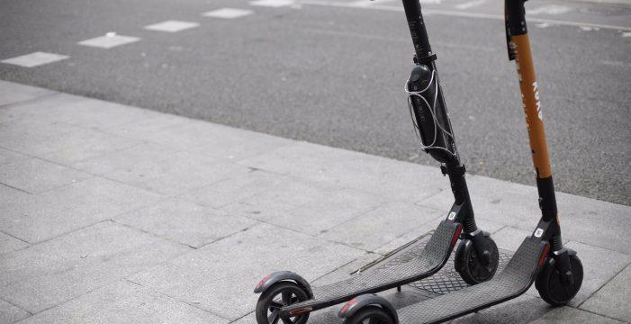 ¿Es obligatorio llevar casco cuando se usa patinete eléctrico? El Congreso lo aclara