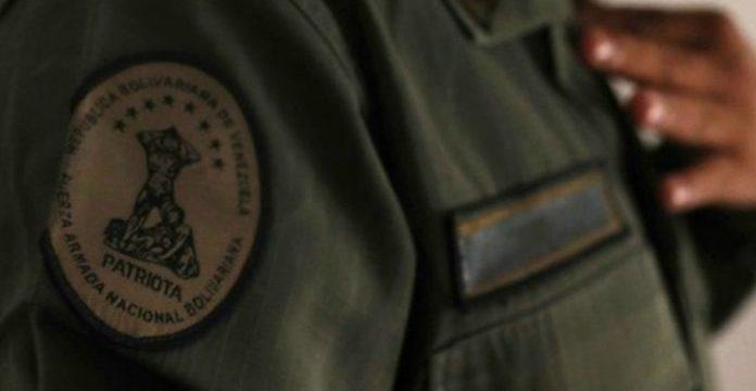 Cinco militares, detenidos por abusar de una oficial durante una sesión de espiritismo