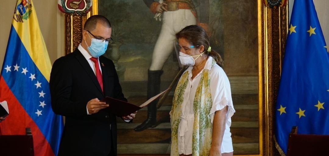 Jorge Arreaza recibe a la embajadora de la UE, Isabel Brilhante Pedrosa. EP