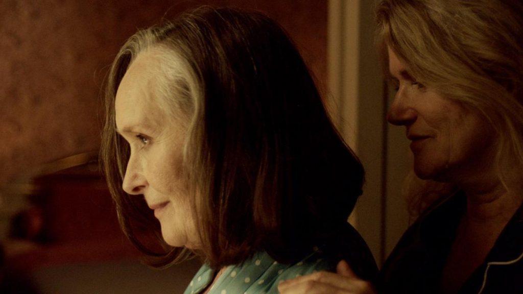 'Entre nosotras', la historia de dos mujeres que se aman en secreto.