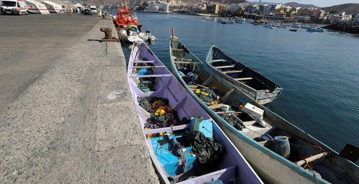 Arrojan al agua a unos 20 muertos en una patera en Fuerteventura
