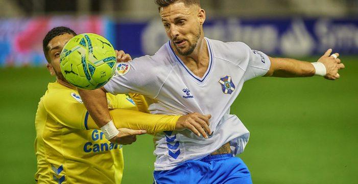 Un derbi con empate aleja del ascenso al Tenerife y a Las Palmas