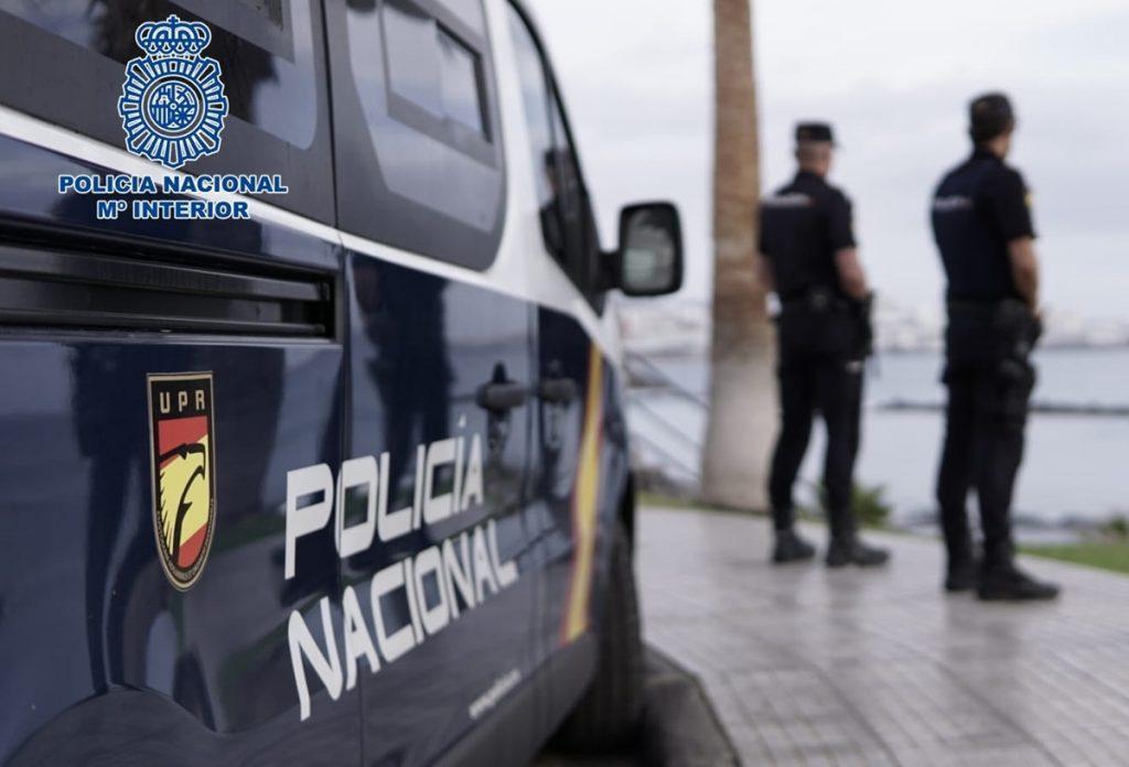 Agentes de Policía Nacional