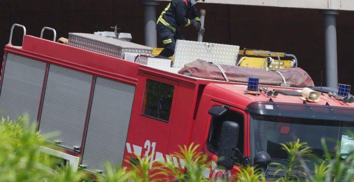 Susto en La Laguna: incendio en la puerta lateral de una iglesia
