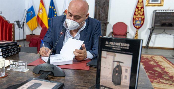 Nelson Díaz presentó en Adeje 'El presbítero Diego García de Acevedo'
