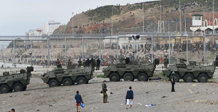 El Gobierno dará 4,5 millones a las comunidades para trasladar y atender a 200 niños migrantes de Ceuta